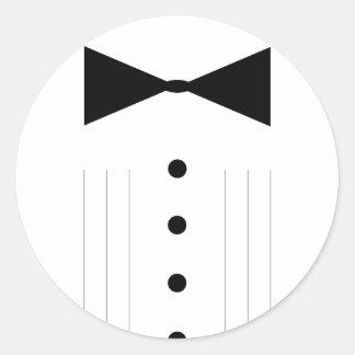 smoking do bowtie do traje de cerimónia adesivo em formato redondo