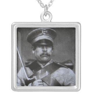 Soldado do russo colar com pendente quadrado