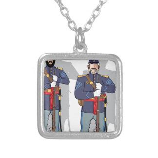 Soldado do vintage colar com pendente quadrado