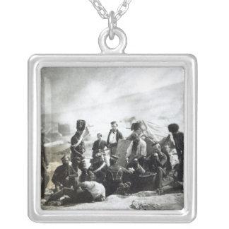 Soldados na Crimeia, c.1855 Colar Com Pendente Quadrado