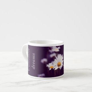 Sonhos da camomila xícara de espresso
