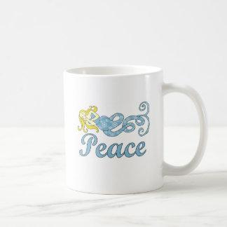 Sonhos do feriado da sereia da paz caneca de café