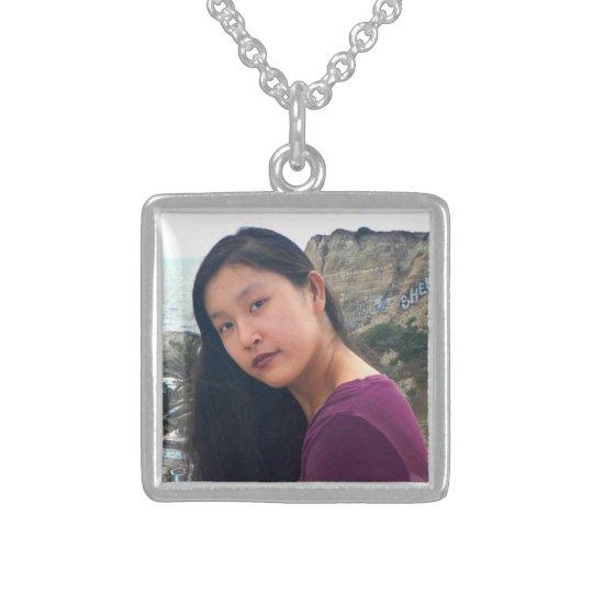Sua colar aqui personalizada da prata da foto da
