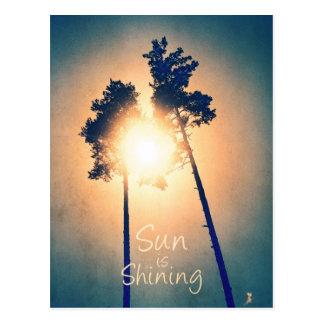 Sun está brilhando cartão postal