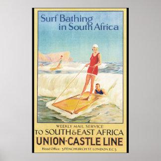 Surf que banha-se no poster das viagens vintage de pôster