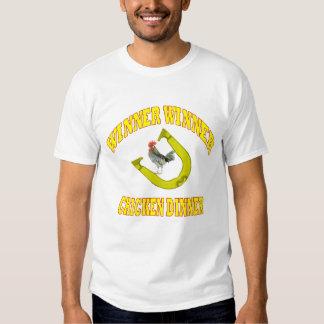T básico das ferraduras do comensal da galinha do camisetas