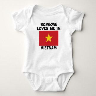 T-shirt Alguém em Vietnam ama-me