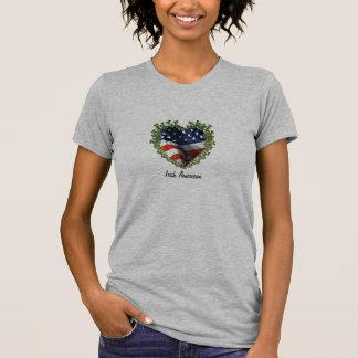 T-shirt americano irlandês do entalhe do coração d