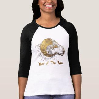 T-shirt Ano do T das mulheres dos carneiros ou da cabra da