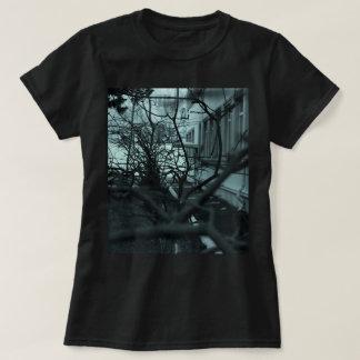 T-shirt Arte escura das madeiras