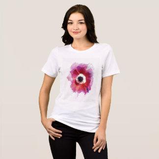 T-shirt As canvas das mulheres da papoila relaxaram o