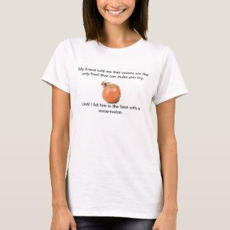 """T-shirt as """"cebolas fazem-lhe do grito engraçado"""""""