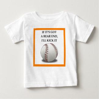 T-shirt basebol