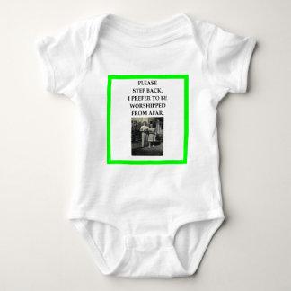 T-shirt bocce