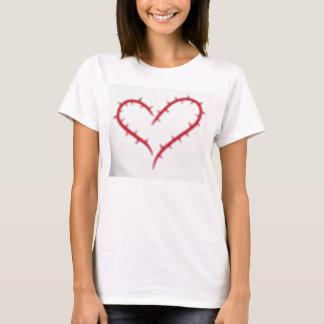 T-shirt branco com coração vermelho dos espinhos