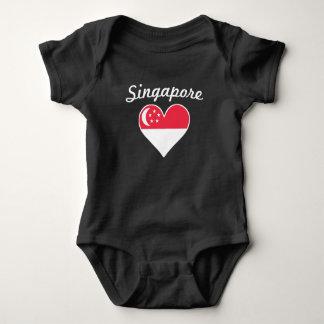 T-shirt Coração da bandeira de Singapore