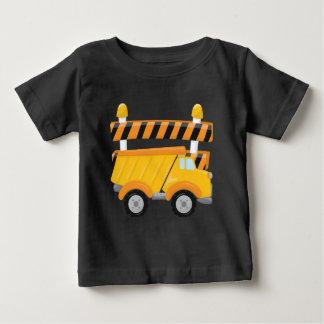 T-shirt da construção do camião basculante do bebé