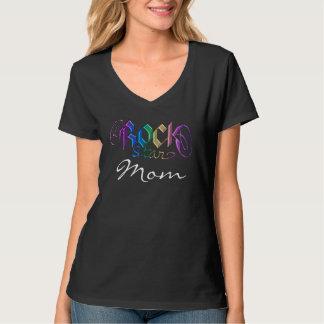 T-shirt da mamã de Rockstar do arco-íris