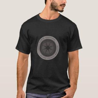 T-shirt da obscuridade de Disposer do desperdício