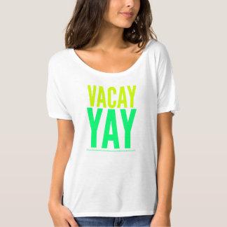 T-shirt das férias. Roupa do primavera