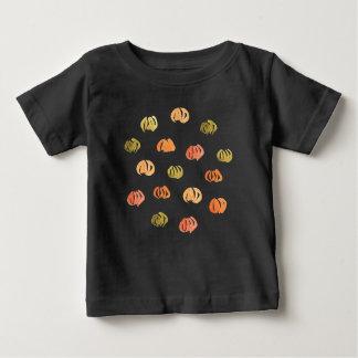 T-shirt do bebê com abóboras