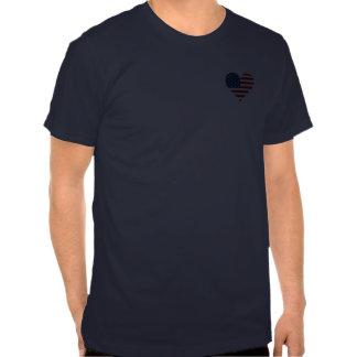 T-shirt do coração da bandeira dos E.U.