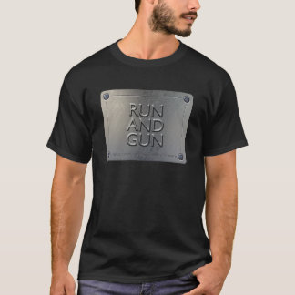 T-shirt do FUNCIONAMENTO E da ARMA - design da