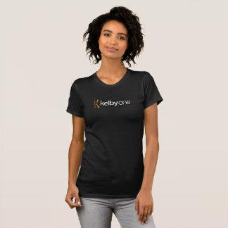 T-shirt do KelbyOne das mulheres (escuro)