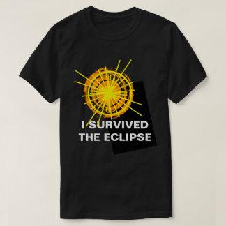 T-shirt Eu sobrevivi ao customizável engraçado do eclipse