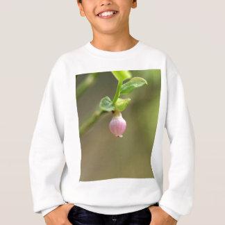 T-shirt Flor em um arbusto de mirtilo europeu