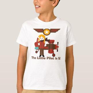 T-shirt louro do costume do aniversário do piloto