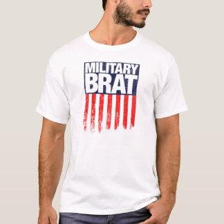 T-shirt Pirralho militar com bandeira resistida