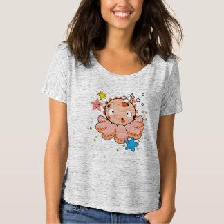 T-shirt simples do Bella Flowy das mulheres, com