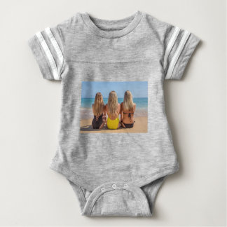 T-shirt Três meninas holandesas louras sentam-se em