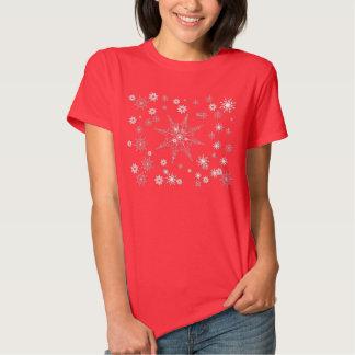 T-shirt vermelho do floco de neve