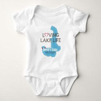 T-shirt Vida Loving do lago, o lago devil, Michigan