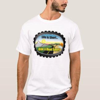 T-shirts A vida é curta. Monte uma motocicleta dupla do