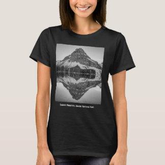 T-shirts Design da reflexão da montanha de Sinopah