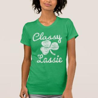 T-shirts Dia elegante do St. Patricks do Lassie do trevo do