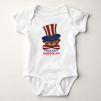 "T-shirts Do "" Bodysuit orgulhosa americano bebê"