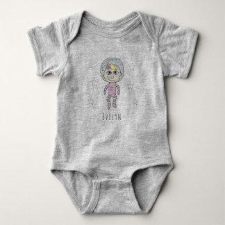 T-shirts Doodle e nome feministas do sonho do astronauta do