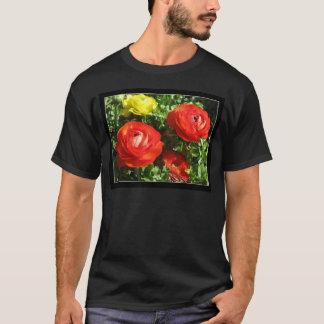 T-shirts Flor vermelha do ranúnculo