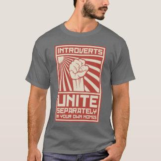 T-shirts Introverts unem-se separada em suas próprias casas