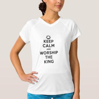 T-shirts Mantenha a calma & adore o rei