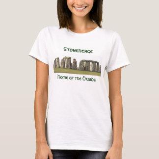 T-shirts O Stonehenge das mulheres, casa dos Druids