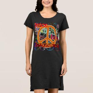 T-shirts Piedade do amor da paz da colagem do hipster