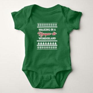 T-shirts Terno do bebê do Natal do país das maravilhas de
