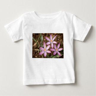 T-shirts Triângulo do açafrão da lavanda