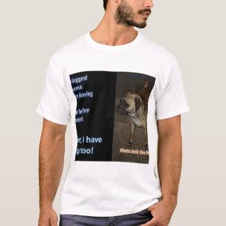 T-shirts Um cão é o melhor amigo do homem