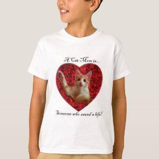 T-shirts Uma mamã do gato é alguém que salvar uma vida